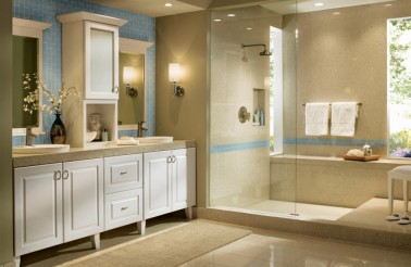 clean-white-thermofoil-kraftmaid-bathroom-cabinetry