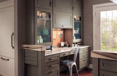 kraftmaid-home-office-in-garrison-square-maple