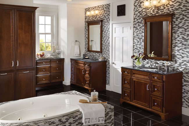 Bathroom remodeling bathroom design bathroom vanities for Traditional master bathrooms