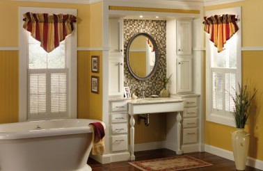 merillat-classic-spring-valley-in-maple-chiffon-with-tuscan-accent-glaze