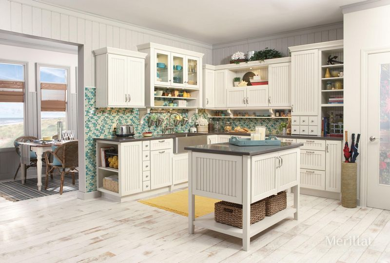 merillat classic avenue w 5 piece drawer in maple chiffon with tuscan glaze - Merillat Classic Kitchen Cabinets